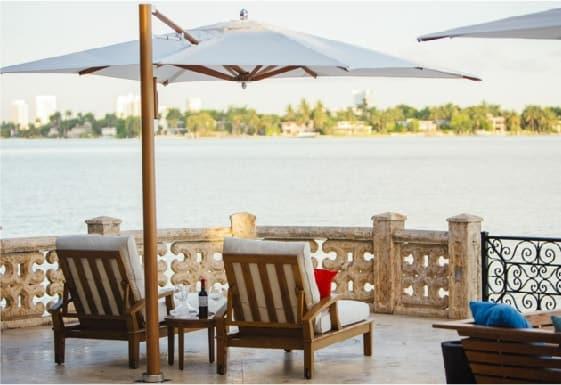 ¿Cómo elegir la sombrilla ideal para tu terraza?